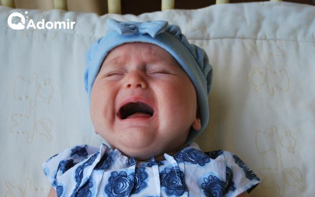 Trẻ sơ sinh hay khóc đêm